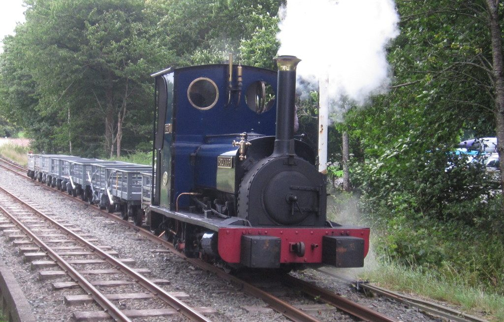Holy War at Llangower with a demonstration slate train