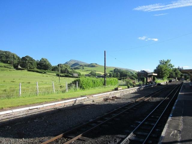 Llanuwchllyn station with Aran Benllyn in the background