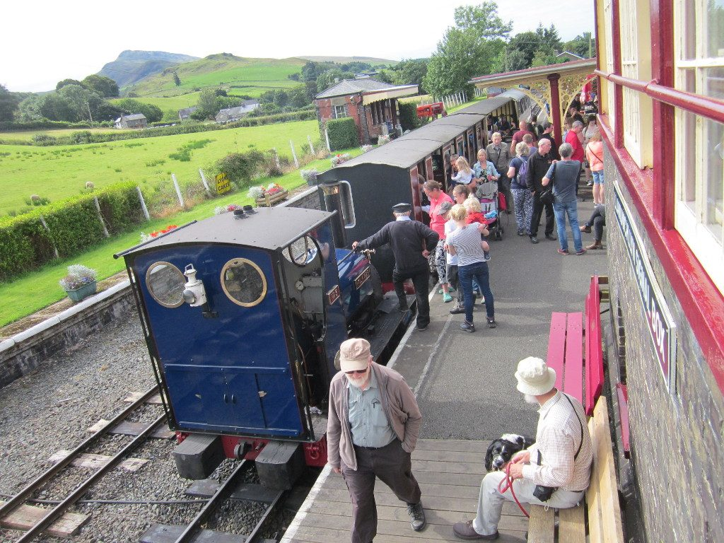 Holy War at Llanuwchllyn with a passenger service