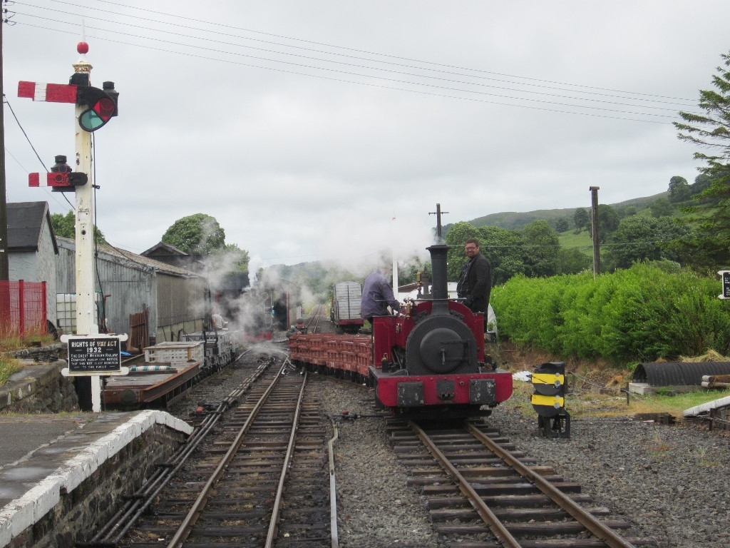 George B arrives at Llanuwchllyn with the Dinorwig slate train