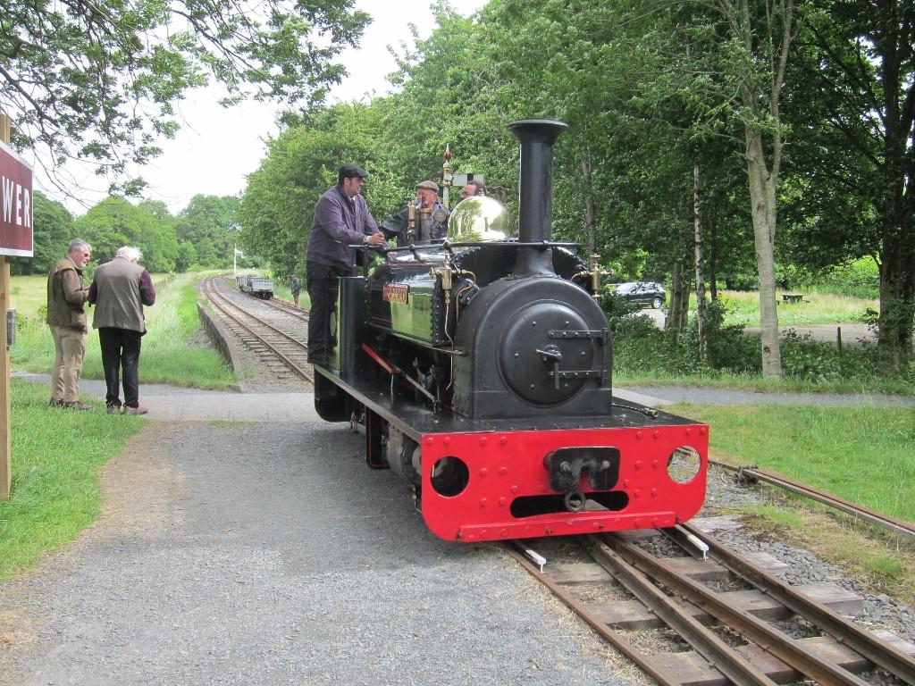 Huh Napier running round a slate train at Llangower