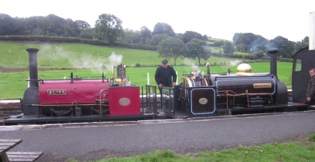 Alice and Winifred wait on a double header at Llanuwchllyn