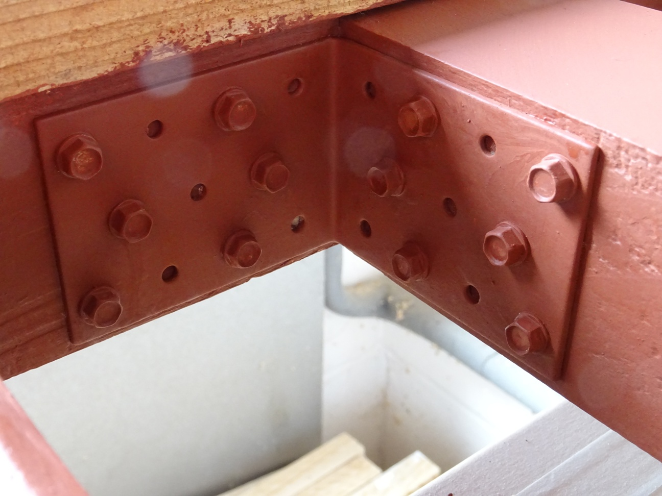 Strengthening steel brackets
