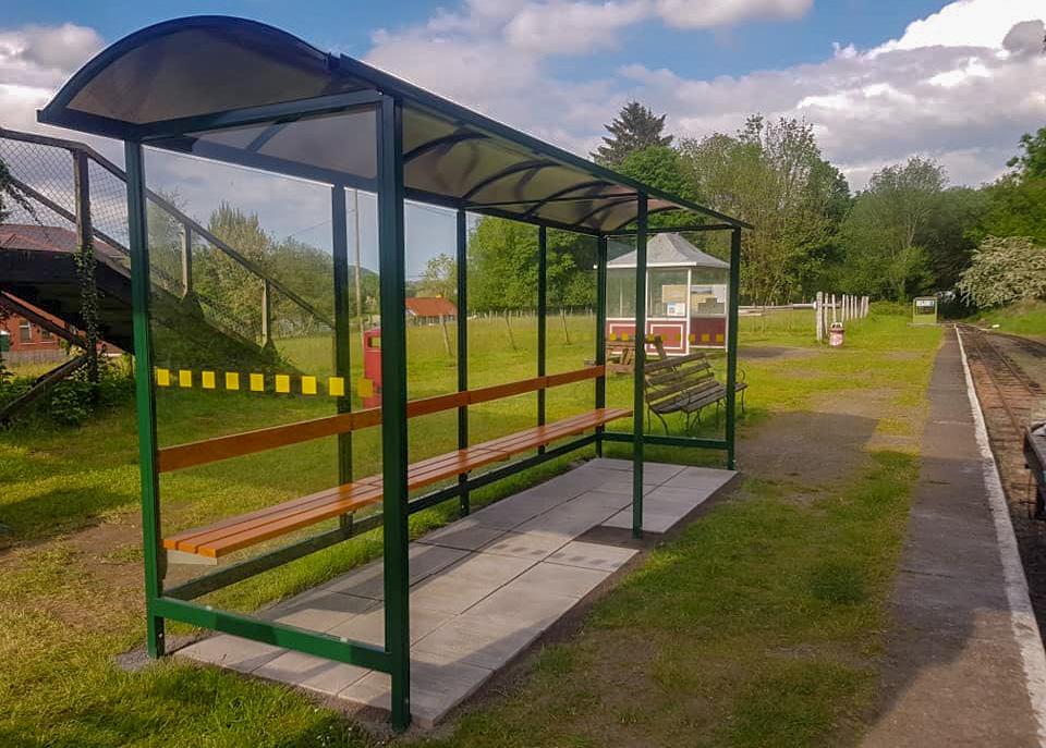New shelter at Bala station